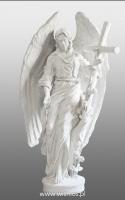 Anioł z krzyżem-angel-nagrobny-kamień-biały-wisnios-10