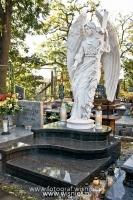 Anioł z krzyżem-angel-nagrobny-kamień-biały-wisnios-9